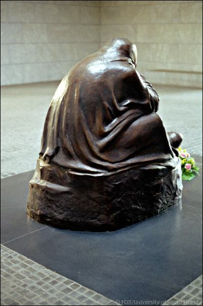 Pietá by käthe kollwitz located in the neue wache in berlin