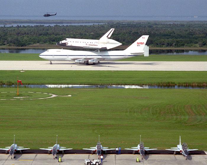 美国航天飞机发射着陆全过程