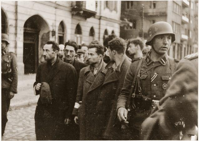 http://fcit.usf.edu/holocaust/PICS31/73874.jpg